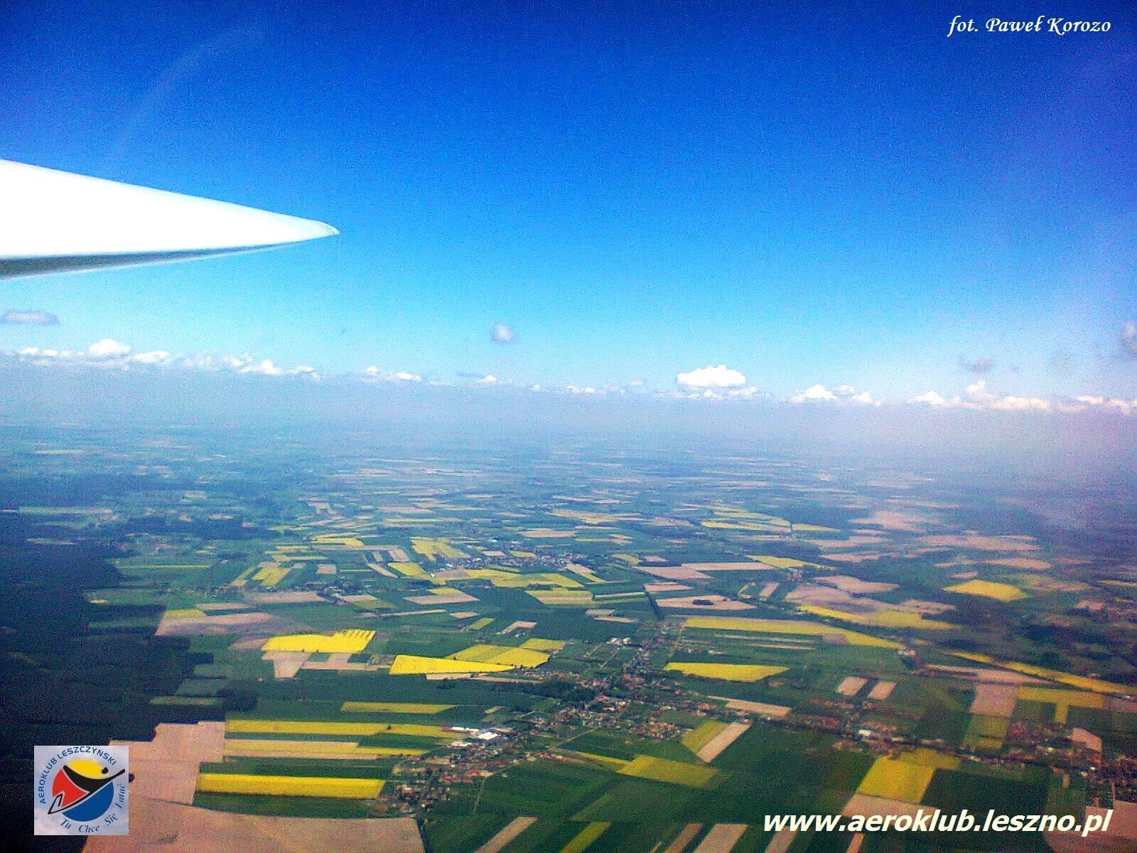 lot w Lesznie szybowcem