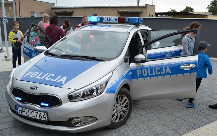 dzieci i policja