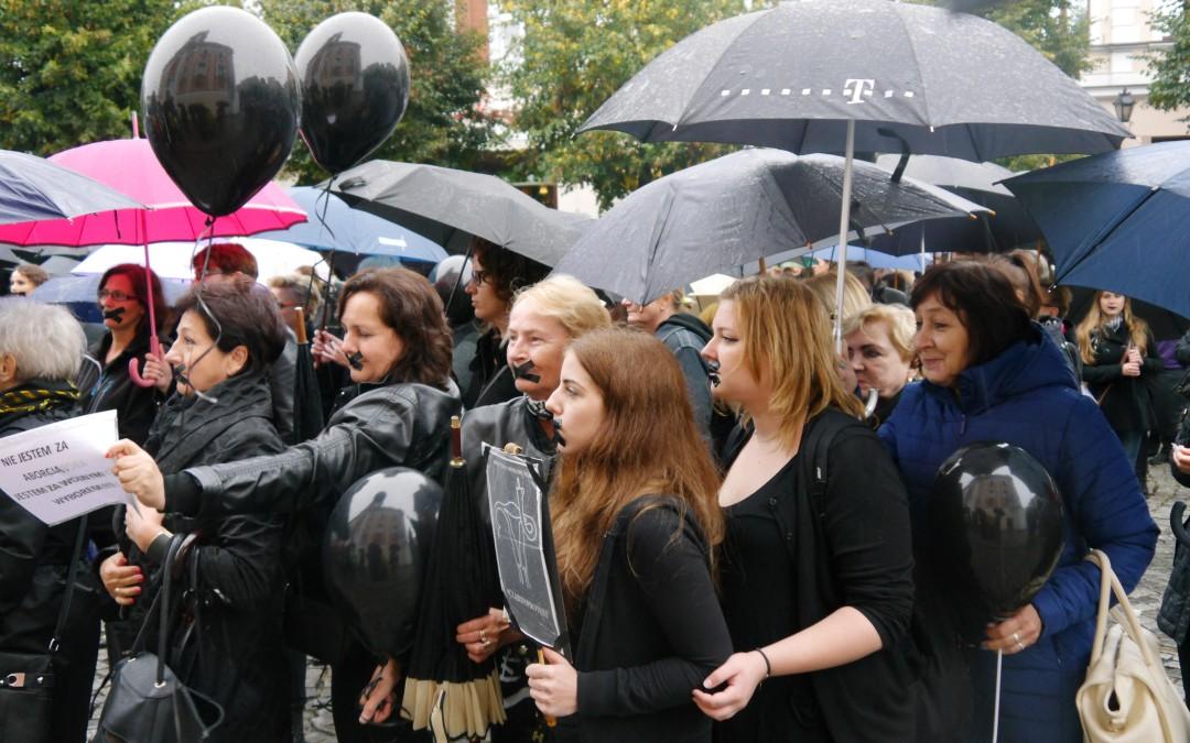 Czarny Protest w Lesznie (wideo)